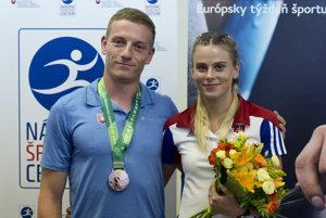 Ján Volko a Alexandra Bezeková po návrate zo Svetovej letnej univerziády.