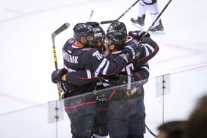 Slovan Bratislava vyhral prvý domáci zápas v novej sezóne KHL.