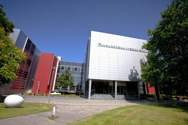 Paneurópske centrum ďalšieho vzdelávania v Banskej Bystrici.