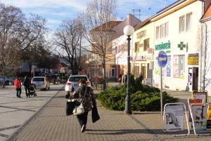 Mesto postrážia okrem polície aj štyria obyvatelia, ktorí prejdú konkurzom do občianskej hliadky.