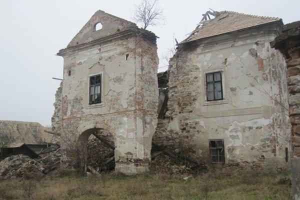 Prónayovský kaštieľ v Malých Zlievciach.