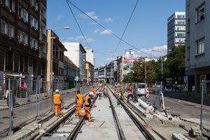 Stavebné práce na Špitálskej ulici v Bratislave.