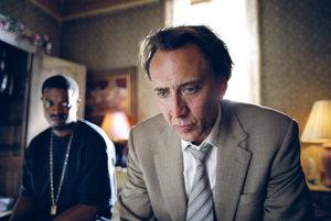 Nicolas Cage vo filme Zlý poliš.