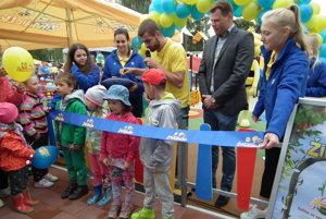 Nové ihrisko otvárali symbolicky deti.