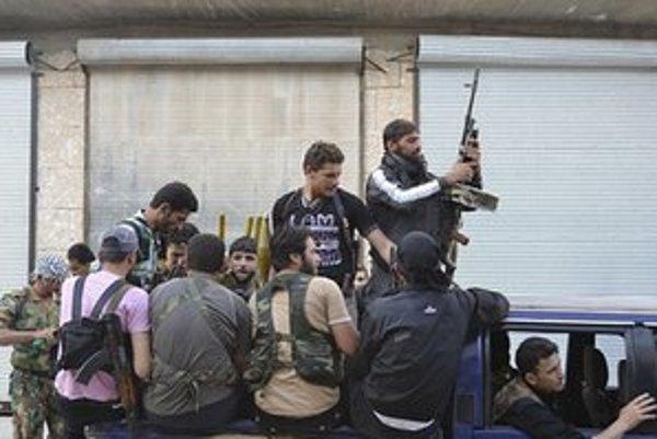 Rebeli v meste Idlib.