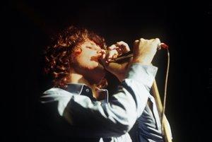 Jim Morrison, jašteričí kráľ, ako si rád zvykol hovoriť, zomrel vo veku 27 rokov.