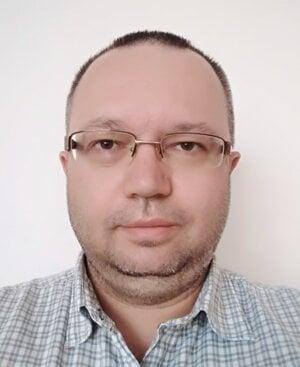Marek Husárik.