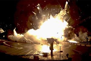 Jeden z neúspešných pokusov pristánia rakety SpaceX.