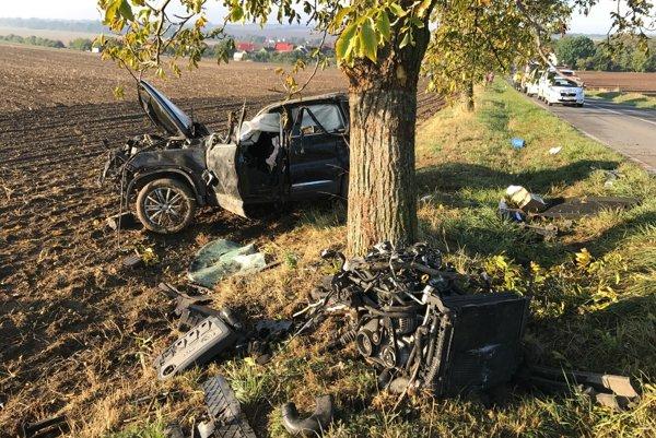 Tragická nehoda sa stala dnes medzi Chtelnicou a Dechticami.