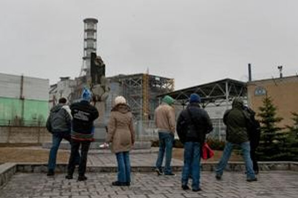 Dnes sa na černobyľský štvrtý reaktor chodia pozerať turisti.