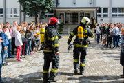 Cvičný požiarny poplach je dôležitou prevenciou.