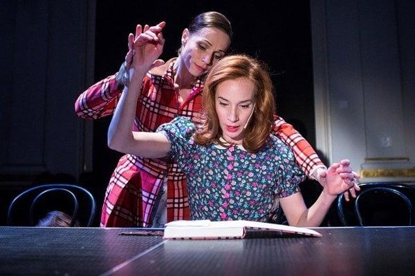 Za postavu Anny Frankovej v Štátnom divadle Košice je Táňa Pauhofová nominovaná v kategórii najlepší ženský herecký výkon.