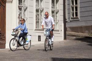 Inteligentné bicykle. Bikesharing je dnes už bežnou súčasťou dopravy vo viacerých európskych a ázijských mestách.