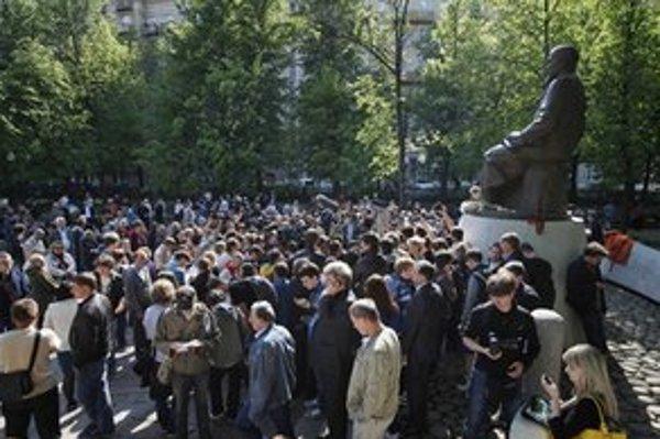 Demonštranti v centre Moskvy.