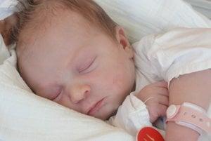 Mia Krenželová - Prvým  dieťatkom  Klaudie a Radovana zo Staškova je od pondelka   11. septembra dcérka Mia Krenželová ( 3000 g, 50 cm). Meno Mia  je latinského pôvodu a v preklade znamená