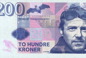 Aj spisovatelia môžu mať bankovky - vymyslené. Táto je venovaná autorovi severských detektívok Jo Nesbovi.