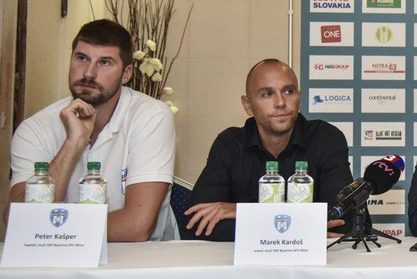 Zľava kapitán volejbalistov Nitry Peter Kašper a tréner Marek Kardoš.