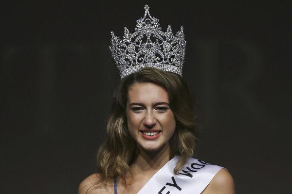 Miss Turecko zbavili titulu pre tvít o prevrate
