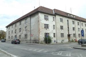 Bývalý dom opatrovateľskej služby na Hollého ulici.