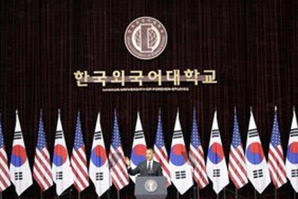 Obama počas vystúpenia na univerzite v Soule.