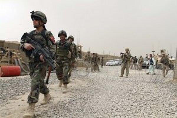 Do konca roku 2014 by mala z Afganistanu odísť väčšina vojakov NATO.