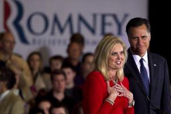 Ann Romneyová a je manžel Mitt idú do skutočného súboja.