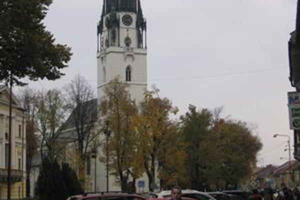 V Spišskej Novej Vsi sa nachádza najvyššia kostolná veža, vysoká 87 metrov.