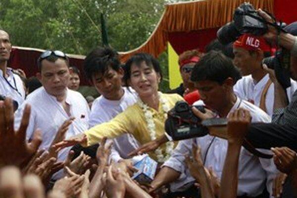 Lidérka zmien v Barme Su-Ťij.
