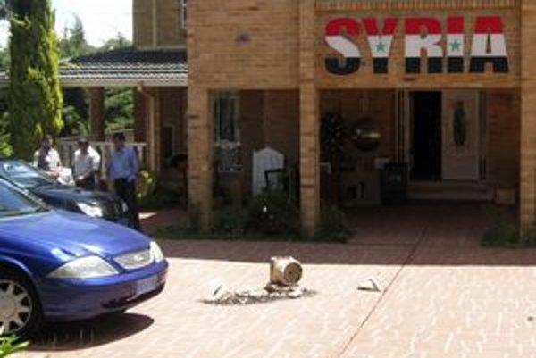Aj sýrska ambasáda v austrálskej Canberre sa nevyhla nepokojom.