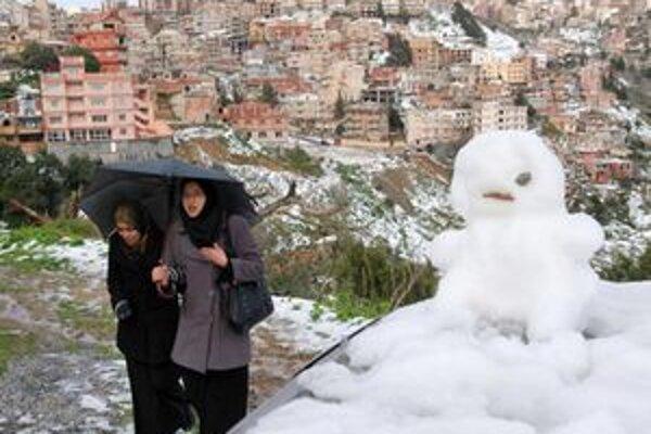 Snehuliak na predmestí Alžiru.