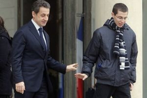 Nicolas Sarkozy sa lúči s Giladom Schalitom.