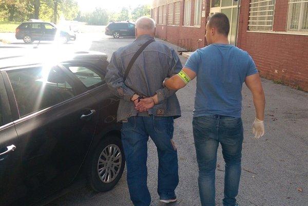 Páchateľa chytili pri čine.