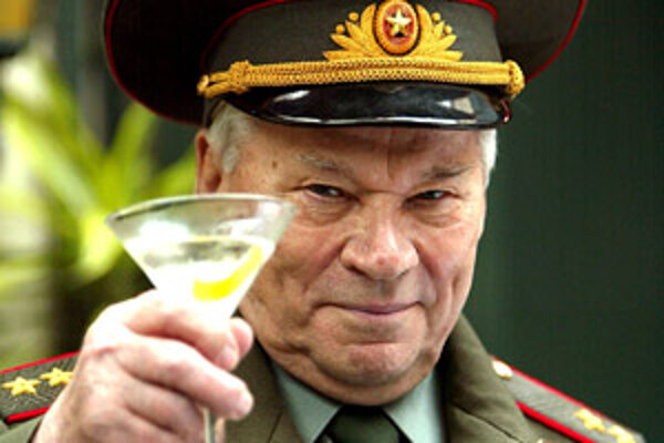 Svoju vlastnú vodku má aj Michail Kalašnikov.