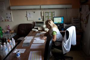 Na Slovensku chýba niekoľko tisícok sestier. Majú ich doplniť ich kolegyne z Kuby.