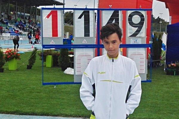 Pavol Jurina ako jediný so svojej kategórii pokoril výšku 149 cm.