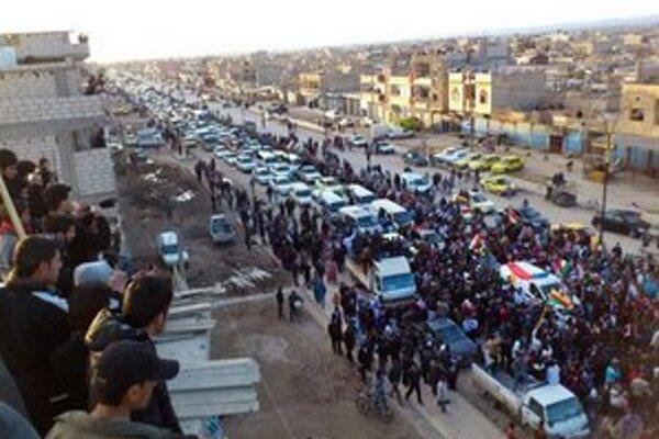 Preplnené cesty na severe Sýrie.