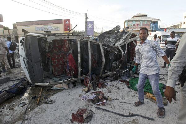 Počet obetí bombových útokov v centre Mogadiša vzrástol na 45
