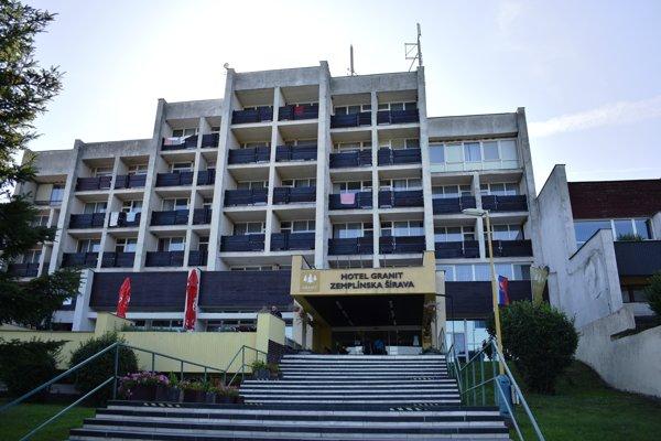 Bývalú vojenskú zotavovňu, dnes Hotel Granit, môže v súčasnosti využívať ktokoľvek.
