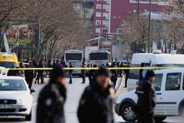 Minulý týždeň zranila bomba v Istanbule 15 policajtov.