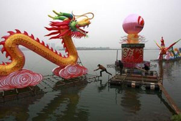 Čínske televízie majú viac propagovať tradičné a socialistické hodnoty.