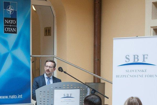 Generálny tajomník Organizácie pre bezpečnosť a spoluprácu v Európe (OBSE) Thomas Greminger počas otvorenia 11. ročníka Slovenského bezpečnostného fóra (SBF) v Univerzitnej knižnici v Bratislave.