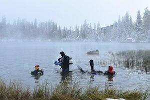 Potápači sa opäť ponoria do studených vôd.