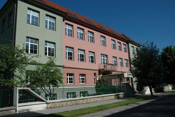Evanjelické gymnázium v Tisovci.