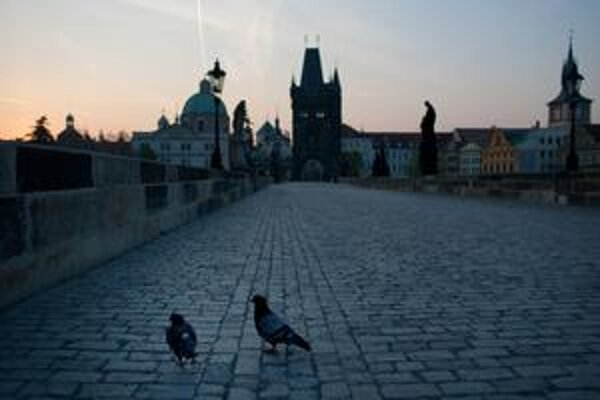 Karlov most v Prahe.