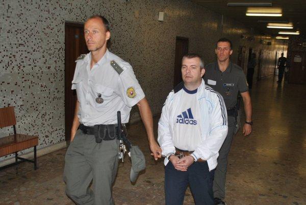 Yuriy s eskortou. Súd rozhodne o väzbe.