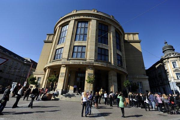 Budova Právnickej fakulty Univerzity Komenského v Bratislave.