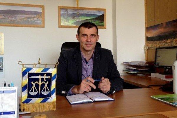 Marián Luha je starostom obce, ale aj vynikajúcim včelárom.