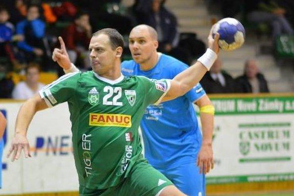 Tomáš Straňovský vyrovnával v Bratislave na konečných 23:23 v predposlednej minúte