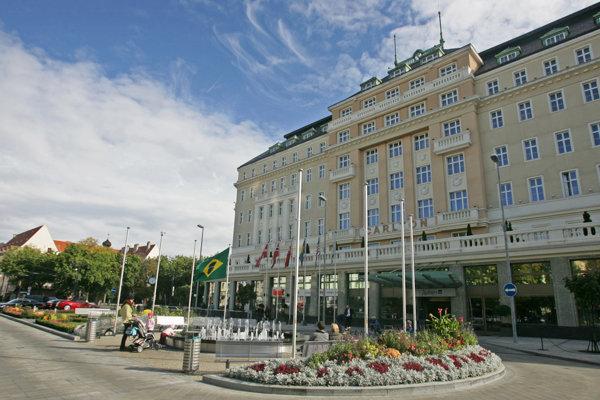 Carlton na Hviezdoslavovom námestí v Bratislave.
