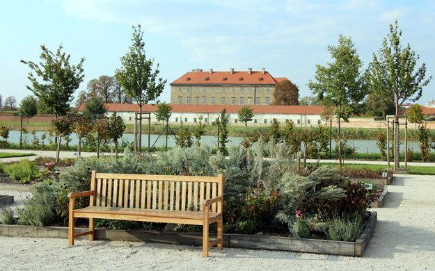 Bylinková záhrada pri Holíčskom zámku